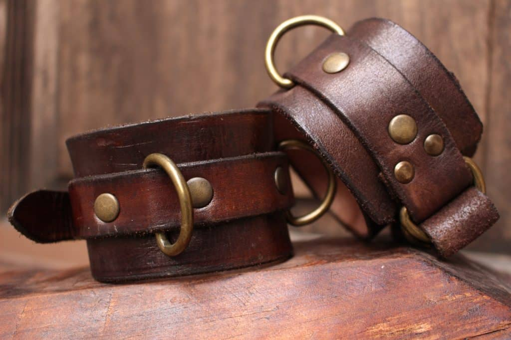 Dungeon Cuffs, collars and Shackles Store